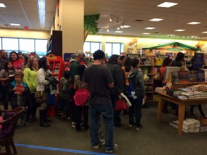 Long lines of people at the Johnanthan Rand book signing!